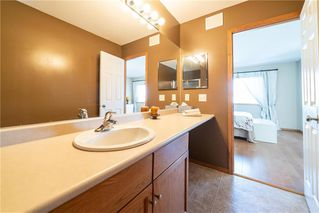 Photo 24: 36 Dallner Bay in Winnipeg: Royalwood Residential for sale (2J)  : MLS®# 1911428
