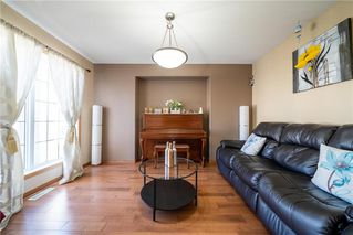 Photo 4: 36 Dallner Bay in Winnipeg: Royalwood Residential for sale (2J)  : MLS®# 1911428