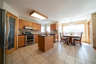 Photo 5: 36 Dallner Bay in Winnipeg: Royalwood Residential for sale (2J)  : MLS®# 1911428