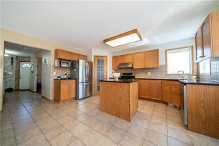 Photo 7: 36 Dallner Bay in Winnipeg: Royalwood Residential for sale (2J)  : MLS®# 1911428