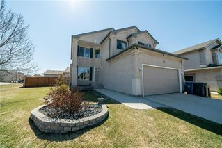 Photo 2: 36 Dallner Bay in Winnipeg: Royalwood Residential for sale (2J)  : MLS®# 1911428