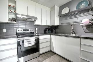Photo 2: 32 3800 FONDA Way SE in Calgary: Forest Heights Row/Townhouse for sale : MLS®# C4297914