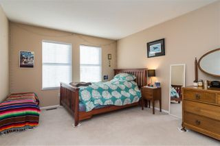 """Photo 10: 30 8716 WALNUT GROVE Drive in Langley: Walnut Grove Townhouse for sale in """"Willow Arbour"""" : MLS®# R2463984"""