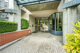 """Photo 2: 110 2228 MARSTRAND Avenue in Vancouver: Kitsilano Condo for sale in """"SOLO"""" (Vancouver West)  : MLS®# R2466105"""
