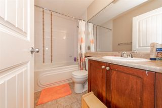 Photo 10: 21 20159 68 Avenue in Langley: Willoughby Heights Townhouse for sale : MLS®# R2483497
