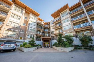 """Main Photo: 210 1150 BAILEY Street in Squamish: Downtown SQ Condo for sale in """"The Parkhouse"""" : MLS®# R2484304"""
