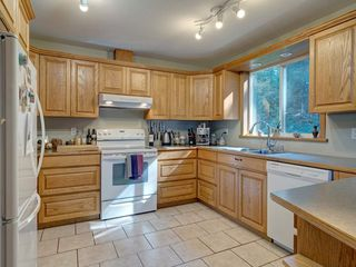 "Photo 8: 3223 - 3227 CRYSTAL Road: Roberts Creek House for sale in ""UPPER ROBERTS CREEK"" (Sunshine Coast)  : MLS®# R2502377"