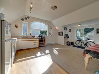 "Photo 23: 3223 - 3227 CRYSTAL Road: Roberts Creek House for sale in ""UPPER ROBERTS CREEK"" (Sunshine Coast)  : MLS®# R2502377"