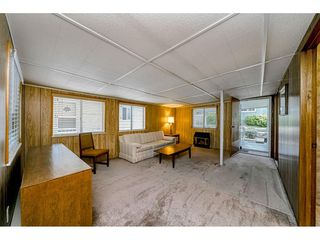 """Photo 10: 108 15875 20 Avenue in Surrey: King George Corridor Manufactured Home for sale in """"Sea Ridge Bays"""" (South Surrey White Rock)  : MLS®# R2512573"""