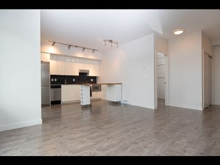 Photo 2: 809 2788 Prince Edward Street in Vancouver: Mount Pleasant VE Condo for sale (Vancouver East)  : MLS®# R2516686