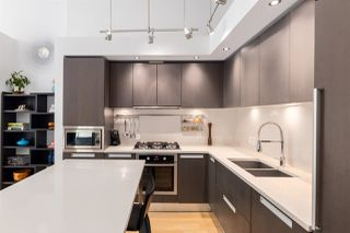 """Photo 10: 1828 CROWE Street in Vancouver: False Creek Townhouse for sale in """"The James"""" (Vancouver West)  : MLS®# R2527498"""