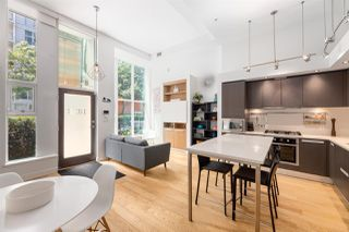 """Photo 2: 1828 CROWE Street in Vancouver: False Creek Townhouse for sale in """"The James"""" (Vancouver West)  : MLS®# R2527498"""