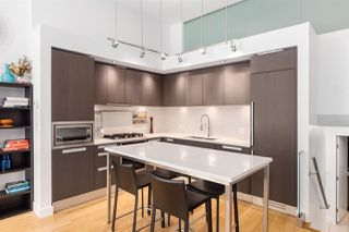 """Photo 8: 1828 CROWE Street in Vancouver: False Creek Townhouse for sale in """"The James"""" (Vancouver West)  : MLS®# R2527498"""