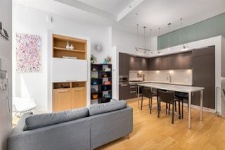"""Photo 3: 1828 CROWE Street in Vancouver: False Creek Townhouse for sale in """"The James"""" (Vancouver West)  : MLS®# R2527498"""