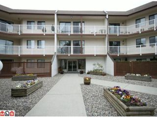"""Photo 1: 116 12890 17TH Avenue in Surrey: Crescent Bch Ocean Pk. Condo for sale in """"Ocean Park Place"""" (South Surrey White Rock)  : MLS®# F1112751"""