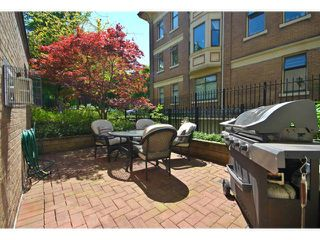 Photo 1: 102 55 E 10TH Avenue in Vancouver: Mount Pleasant VE Condo for sale (Vancouver East)  : MLS®# V892857