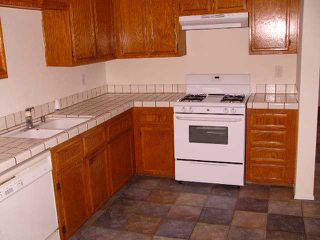 Photo 2: EL CAJON House for sale : 3 bedrooms : 746 Granite Hills