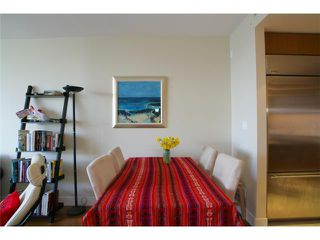 "Photo 4: 404 6080 IONA Drive in Vancouver: University VW Condo for sale in ""STIRLING HOUSE"" (Vancouver West)  : MLS®# V922540"