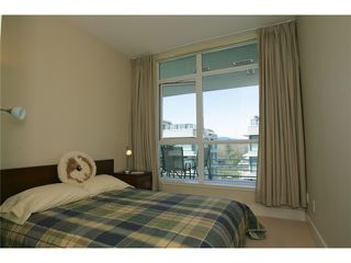 "Photo 7: 404 6080 IONA Drive in Vancouver: University VW Condo for sale in ""STIRLING HOUSE"" (Vancouver West)  : MLS®# V922540"