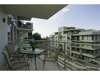 "Photo 10: 404 6080 IONA Drive in Vancouver: University VW Condo for sale in ""STIRLING HOUSE"" (Vancouver West)  : MLS®# V922540"