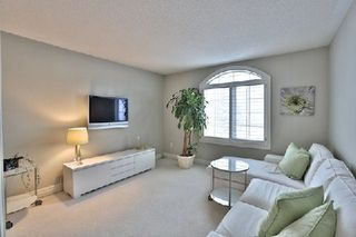 Photo 7: 956 Halsham Court in Mississauga: Clarkson House (2-Storey) for sale : MLS®# W2826365
