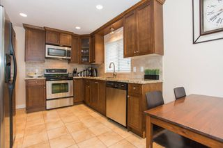 """Photo 4: 2415 BENNIE Place in Port Coquitlam: Riverwood House for sale in """"RIVERWOOD"""" : MLS®# V1060266"""