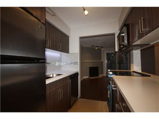Photo 3: 202 1480 COMOX Street in Vancouver: West End VW Condo for sale (Vancouver West)  : MLS®# V1101742