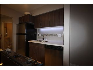 Photo 4: 202 1480 COMOX Street in Vancouver: West End VW Condo for sale (Vancouver West)  : MLS®# V1101742