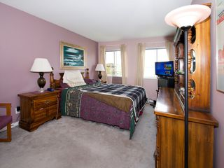 """Photo 9: 214 4768 53RD Street in Ladner: Delta Manor Condo for sale in """"SUNNINGDALE IV"""" : MLS®# V1133239"""