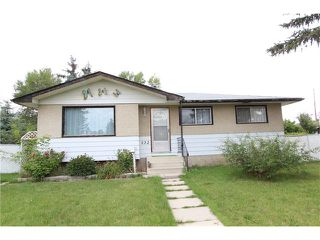 Photo 1: 132 5 Avenue NW: Airdrie House for sale : MLS®# C4023053