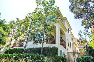 Photo 2: PACIFIC BEACH Condo for sale : 2 bedrooms : 1357 La Palma St in San Diego