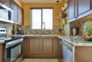 "Photo 11: 502 410 CARNARVON Street in New Westminster: Downtown NW Condo for sale in ""CARNARVON PLACE"" : MLS®# R2012718"