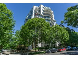 "Photo 2: 613 1425 W 6 Avenue in Vancouver: False Creek Condo for sale in ""Modena of Portico"" (Vancouver West)  : MLS®# R2066222"