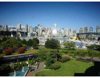 Photo 1: 407 1490 PENNYFARTHING DR in Vancouver: False Creek Condo for sale (Vancouver West)  : MLS®# V549519
