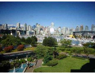 Photo 8: 407 1490 PENNYFARTHING DR in Vancouver: False Creek Condo for sale (Vancouver West)  : MLS®# V549519