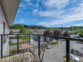 """Photo 1: 406 935 W 16TH Street in North Vancouver: Hamilton Condo for sale in """"GATEWAY"""" : MLS®# R2076060"""
