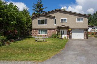 Photo 1: 1212 PARKWOOD Place in Squamish: Brackendale House for sale : MLS®# R2082964