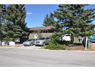 Photo 1: 10804 5 Street SW in Calgary: Southwood House for sale : MLS®# C4070027