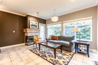 """Photo 7: 17 5201 OAKMOUNT Crescent in Burnaby: Oaklands Townhouse for sale in """"HARTLANDS"""" (Burnaby South)  : MLS®# R2099828"""