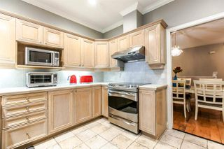 """Photo 4: 17 5201 OAKMOUNT Crescent in Burnaby: Oaklands Townhouse for sale in """"HARTLANDS"""" (Burnaby South)  : MLS®# R2099828"""
