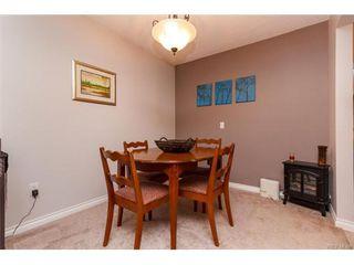 Photo 3: 103 955 Dingley Dell in VICTORIA: Es Kinsmen Park Condo for sale (Esquimalt)  : MLS®# 746530