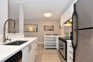 "Photo 8: 218 550 E 6TH Avenue in Vancouver: Mount Pleasant VE Condo for sale in ""LANDMARK GARDENS"" (Vancouver East)  : MLS®# R2143032"