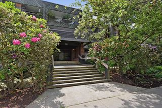 "Photo 13: 218 550 E 6TH Avenue in Vancouver: Mount Pleasant VE Condo for sale in ""LANDMARK GARDENS"" (Vancouver East)  : MLS®# R2143032"