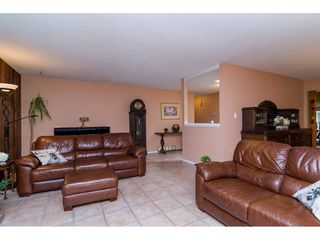 """Photo 6: 3880 198 Street in Langley: Brookswood Langley House for sale in """"Brookswood"""" : MLS®# R2145669"""