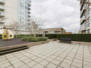 "Photo 15: 1001 1068 W BROADWAY in Vancouver: Fairview VW Condo for sale in ""The Zone"" (Vancouver West)  : MLS®# R2148292"