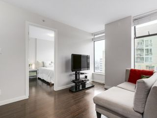 "Photo 4: 1001 1068 W BROADWAY in Vancouver: Fairview VW Condo for sale in ""The Zone"" (Vancouver West)  : MLS®# R2148292"