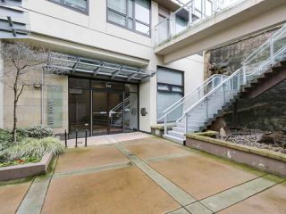"Photo 2: 1001 1068 W BROADWAY in Vancouver: Fairview VW Condo for sale in ""The Zone"" (Vancouver West)  : MLS®# R2148292"