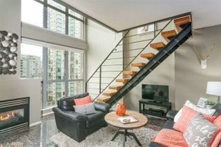 "Photo 2: 806 1238 RICHARDS Street in Vancouver: Yaletown Condo for sale in ""Metropolis"" (Vancouver West)  : MLS®# R2151937"