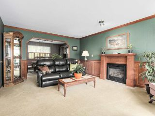 "Photo 2: 20283 93B Avenue in Langley: Walnut Grove House for sale in ""F61"" : MLS®# R2162108"