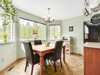 "Photo 11: 20283 93B Avenue in Langley: Walnut Grove House for sale in ""F61"" : MLS®# R2162108"